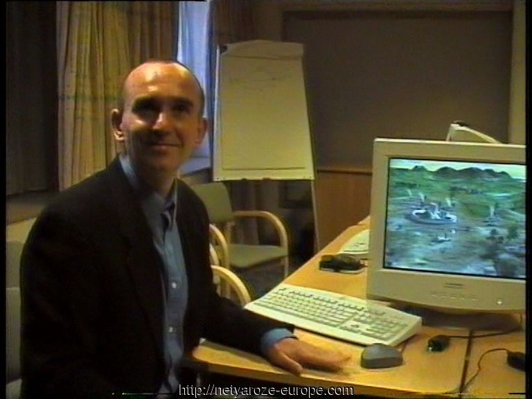 Image: Images.Peter-Molyneux-99-ECTS-BW-Net-Yaroze-members-viewing